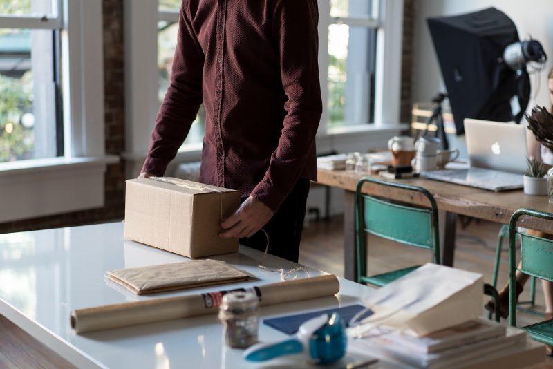 Wie moet de retourkosten betalen bij een online bestelling?